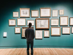 A men in the art gallery